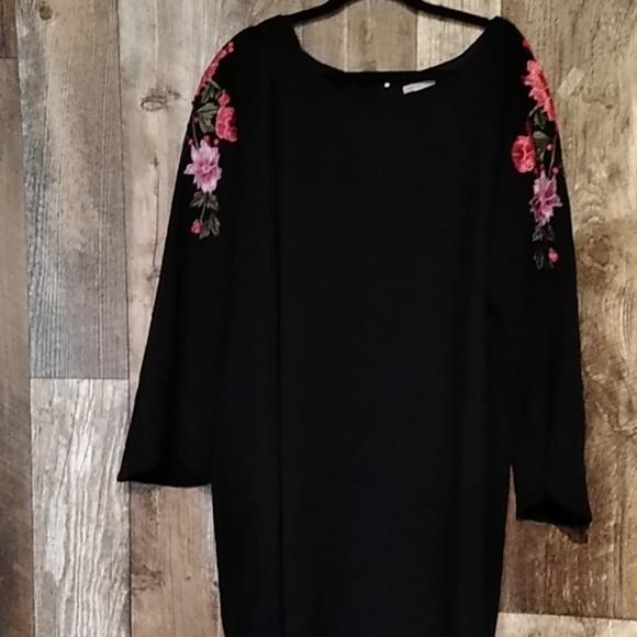 Cato Dresses & Skirts - Beautiful Floral Dress 24 plus